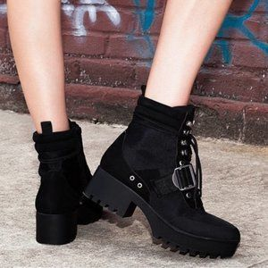 STEVE MADDEN Black Lace Up Chunky Combat Boots
